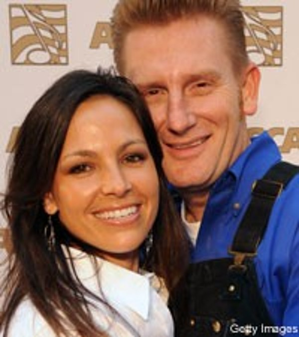 Joey and rory daughters wedding pictures to pin on pinterest