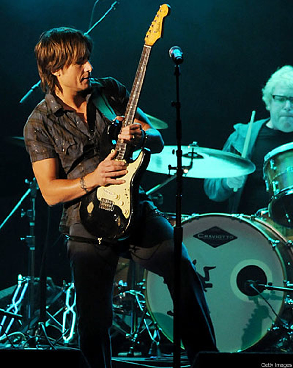Keith Urban S Year In Pictures 2009 Cma Awards