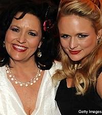 Miranda Lambert, Mom