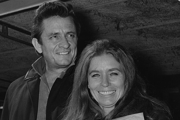 Johnny cash proposes to june carter for Pictures of johnny cash and june carter