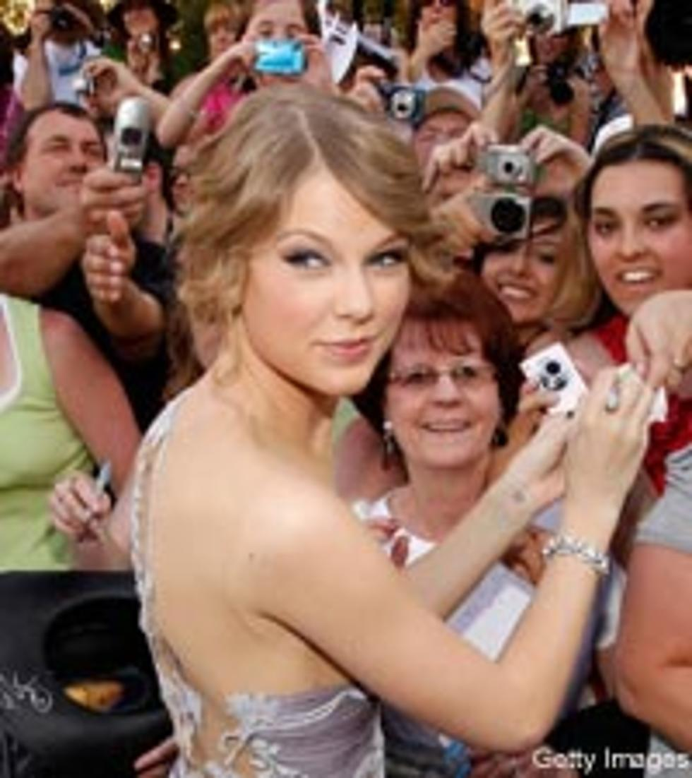 Taylor Swift To Host 13 Hour Meet Greet