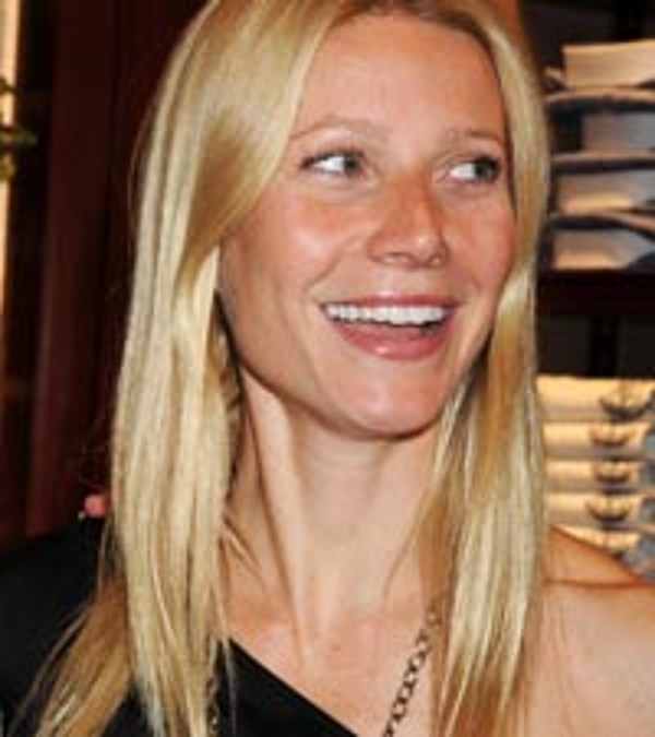 Gwyneth Paltrow Hits Radio Airwaves With Country Strong