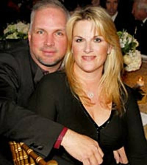 Garth Brooks & Trisha Yearwood Celebrate Five-Year Anniversary