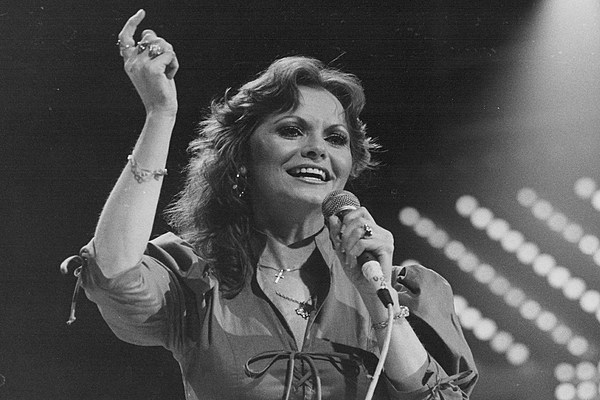 Story Behind The Song Jeannie C Riley Harper Valley Pta