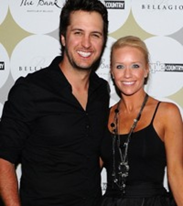 Luke Bryan S Country Girl Has Wife S Stamp Of Approval