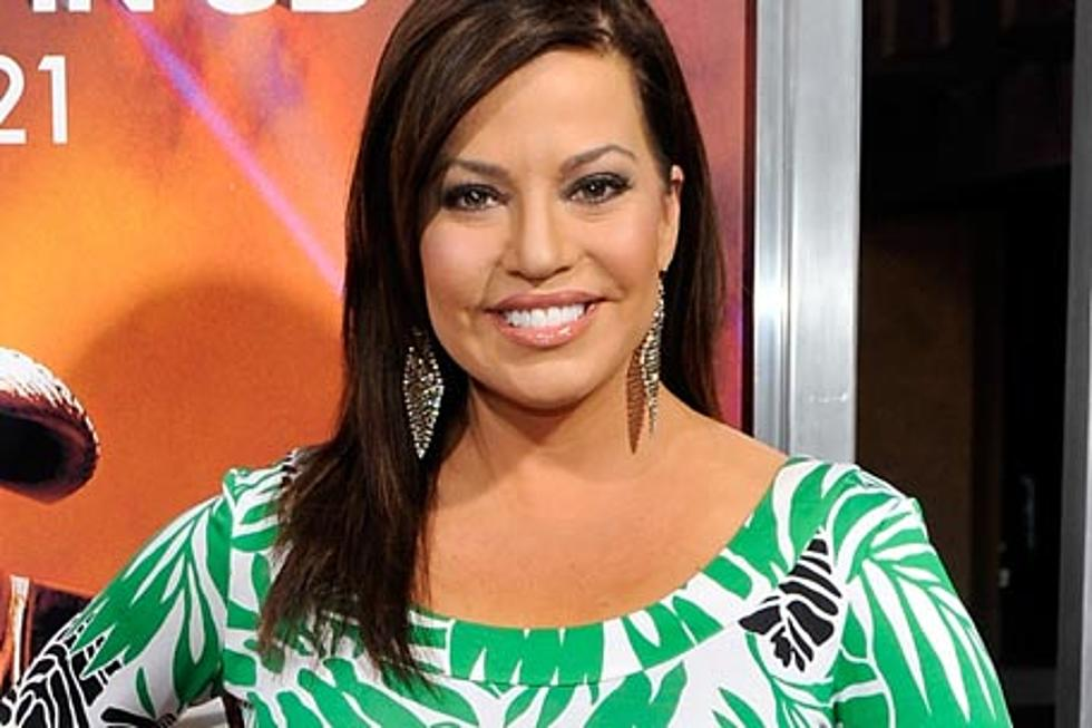 Robin Meade Takes Express Train To Country Stardom