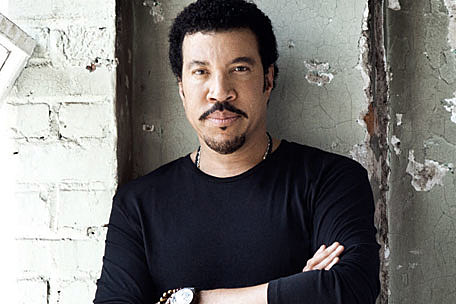 Lionel richie brings country home to tuskegee
