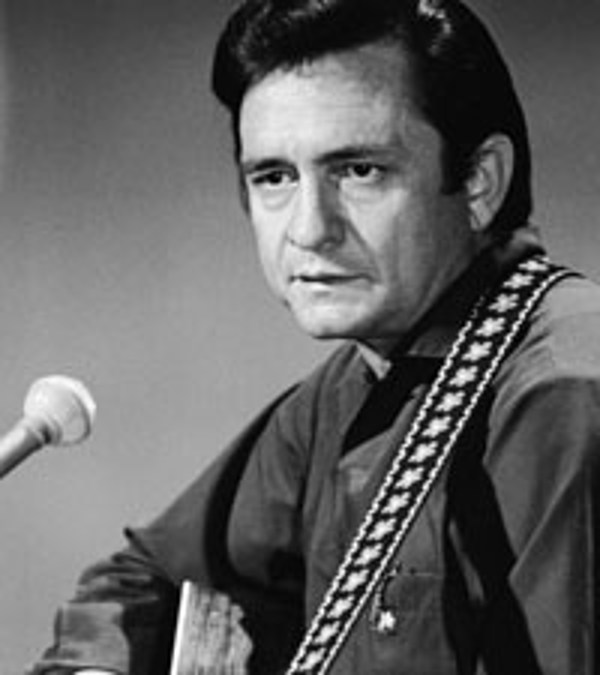 johnny cash biography Johnny cash was born john r cash in kingsland, arkansas, on feb 26, 1932 he grew up near memphis in dyess, a planned community constructed as part of the new deal johnny cash was first introduced to country music through the radio johnny began playing his own songs at the age of 12, the same .