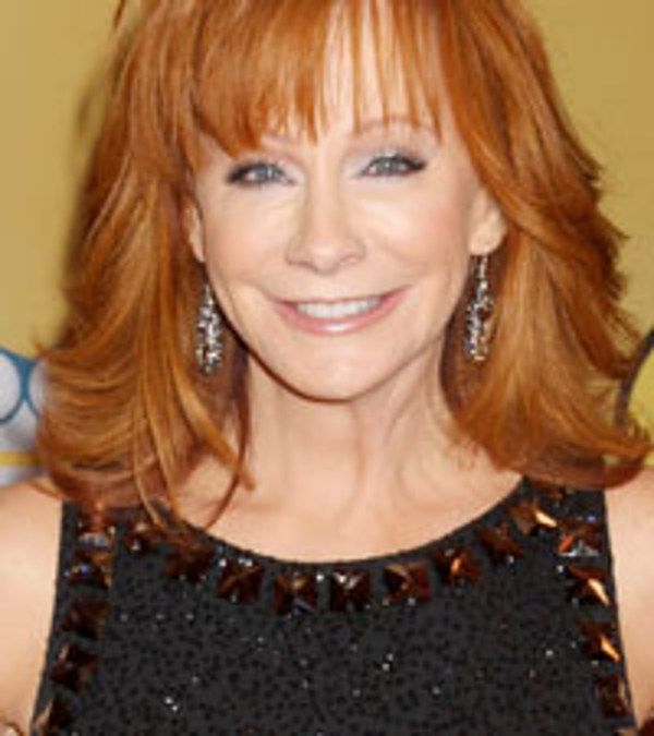 Malibu country reba s new sitcom picked up by abc for How many kids does reba mcentire have