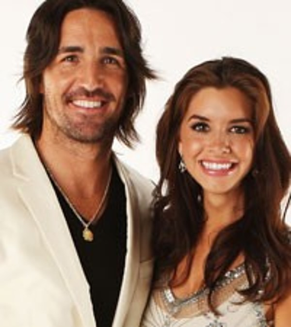 Jake owen takes best friend on brothers of the sun tour
