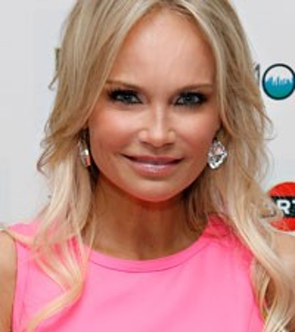 kristin chenoweth still facing issues from �good wife