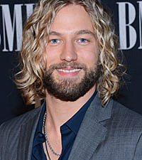 Casey James Shaves Beard On Stage for St. Jude Children's Hospital - casey-james-shaves-beard-200-12312