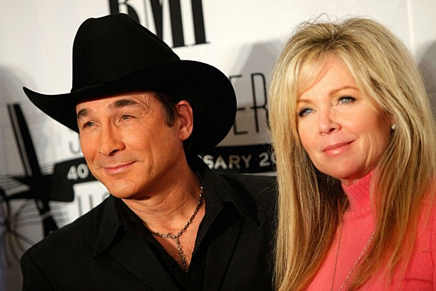 clint black marries lisa hartman