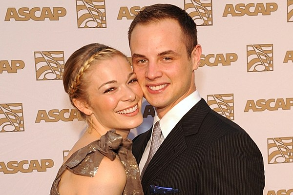 Town And Country >> LeAnn Rimes' Ex-Husband Dean Sheremet Speaks Out About Affair