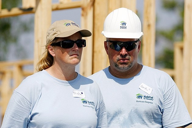 Trisha Yearwood Garth Brooks Habitat for Humanity