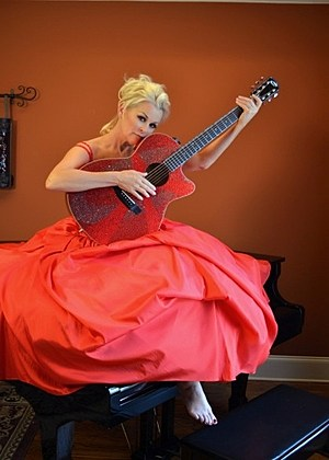 Lorrie Morgan Guitar