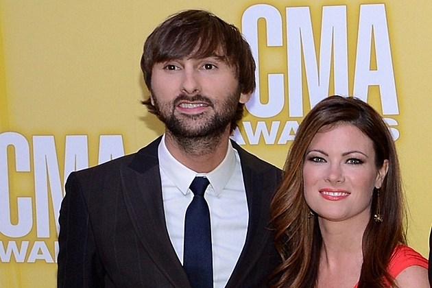 It's Twins for Lady Antebellum's Hillary Scott!