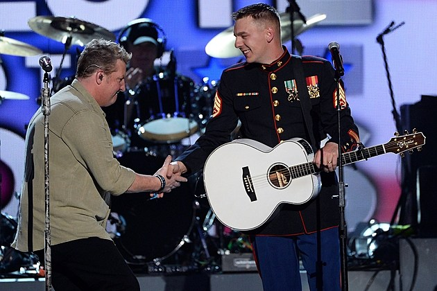 Country Stars Come Together For Acm Salute To The Troops
