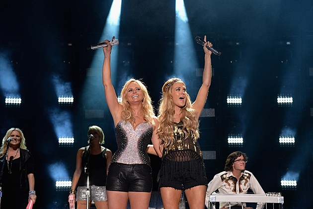 2014 cma music festival day two recap photos for Carrie underwood and miranda lambert friends