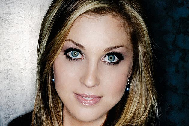 Sunny Sweeney Interview: Singer-Songwriter Gets 'Provoked' on Her Latest Album