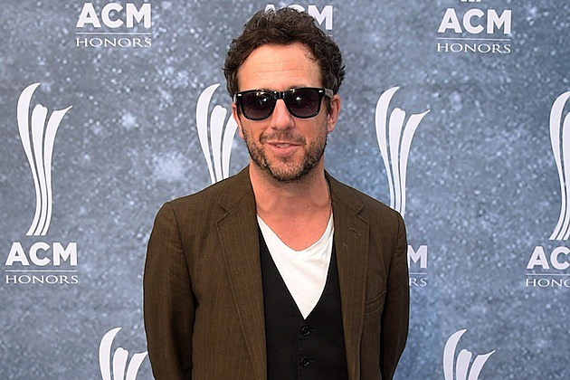 Will Hoge Uses Fan Footage for 'Middle of America' Lyric Video