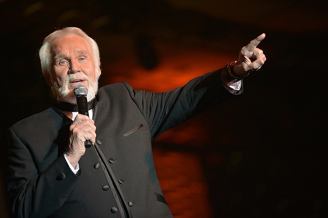 Kenny Rogers to Release New Christmas Album
