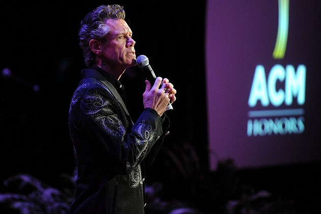 Randy Travis' Fiancee Shares Update on Singer's Recovery