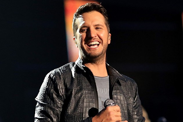 Luke Bryan Hilariously Rewrites 'The Christmas Song'
