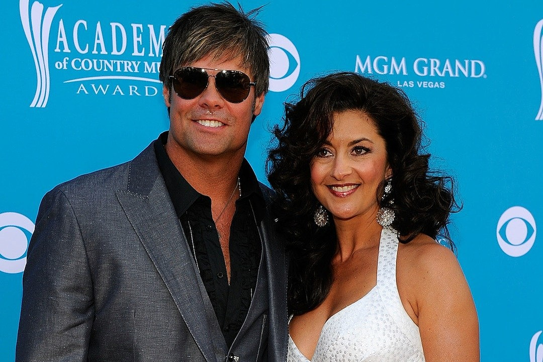 20 Years Ago: Montgomery Gentry's Troy Gentry Gets Married