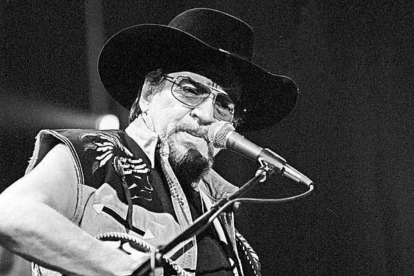 Waylon Jennings Dies In Arizona
