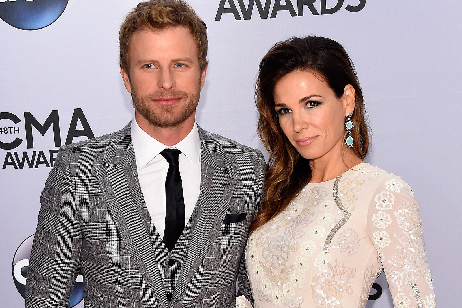 Dierks Bentley Wife Pictures To Pin On Pinterest Pinsdaddy
