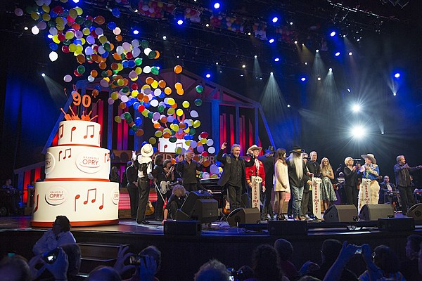 Watch Country Stars Sing Happy Birthday To The Grand Ole Opry