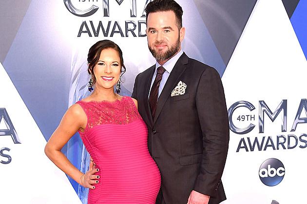 David Nail wife pregnant
