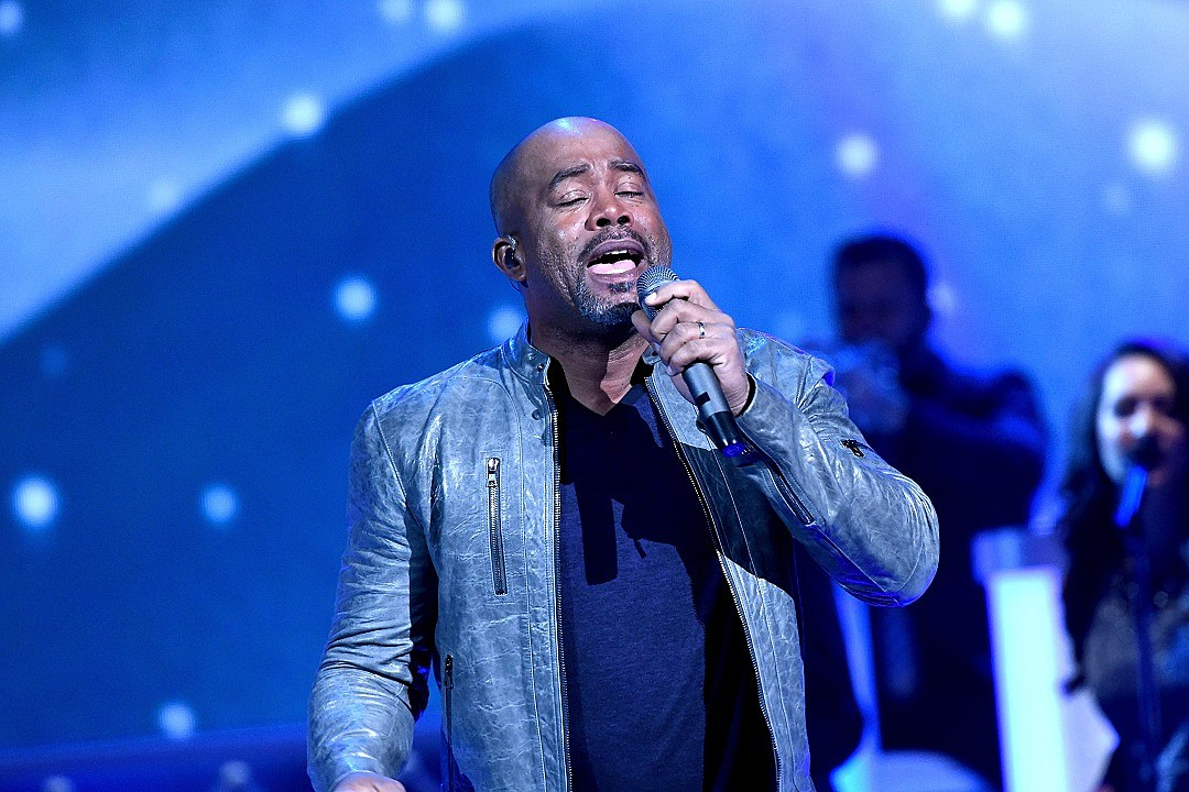 watch darius rucker perform at cma country christmas 2015 - Cma Country Christmas 2015