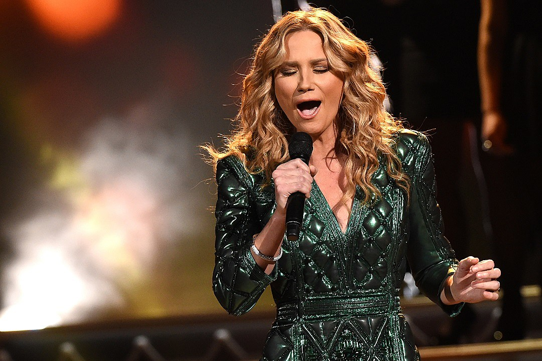 Jennifer Nettles' Christmas Album Coming in October