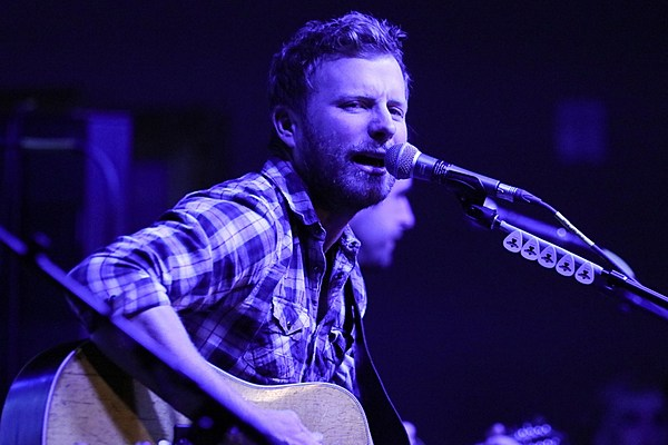 dierks bentley announces eighth studio album 39 black 39. Cars Review. Best American Auto & Cars Review