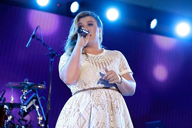 Kelly Clarkson American Idol Guest Judge