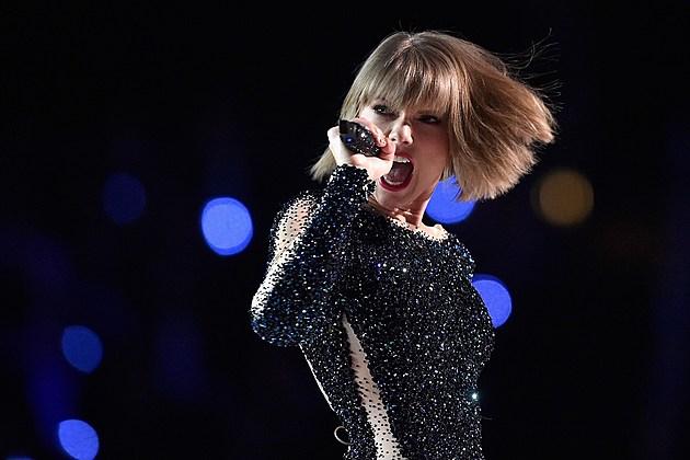 Taylor Swift 2016 Grammy Awards performance