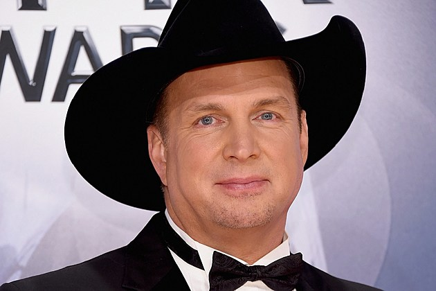 Garth Brooks new album 2016 postponed
