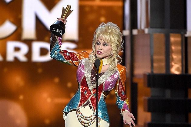 Dolly Parton Receives Tex Ritter Award At 2016 Acm Awards