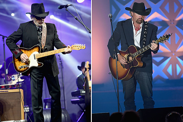 Actor W Earl Brown Shares How Toby Keith Saved Merle