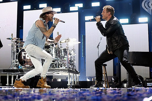 Watch Fgl S Surprise Bsb Collab At 2016 Iheartradio Fest