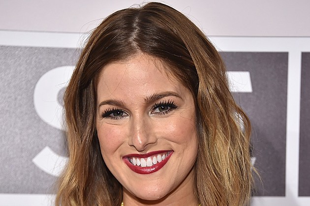 Cassadee Pope 2016 CMA Awards