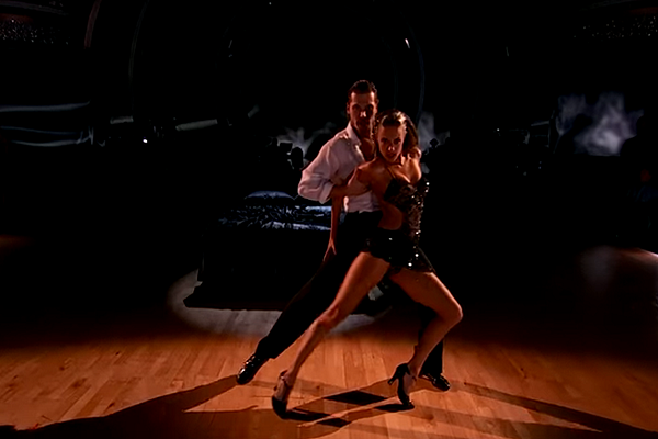Jana Kramer Earns Perfect Dwts Score With Argentine