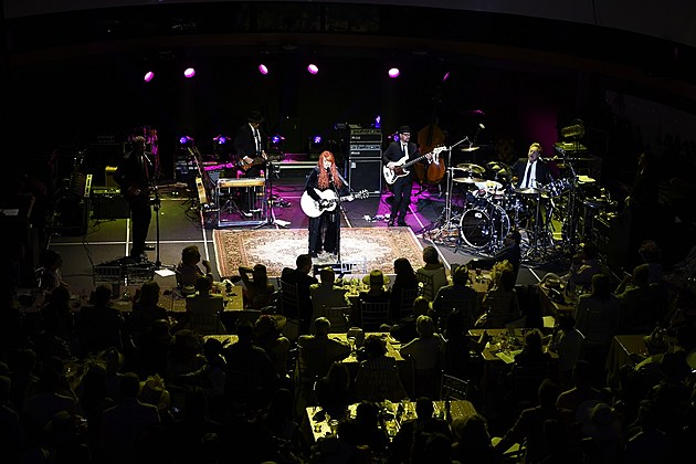 Wynonna and the Big Noise 2016 Christmas Tour