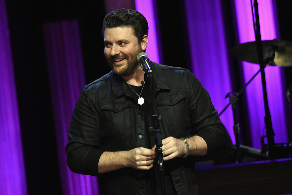 chris young helps children affected by tenn wildfires have a merry christmas