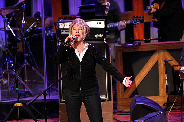 Jeannie Seely Recalls The Conversation That Inspired Life