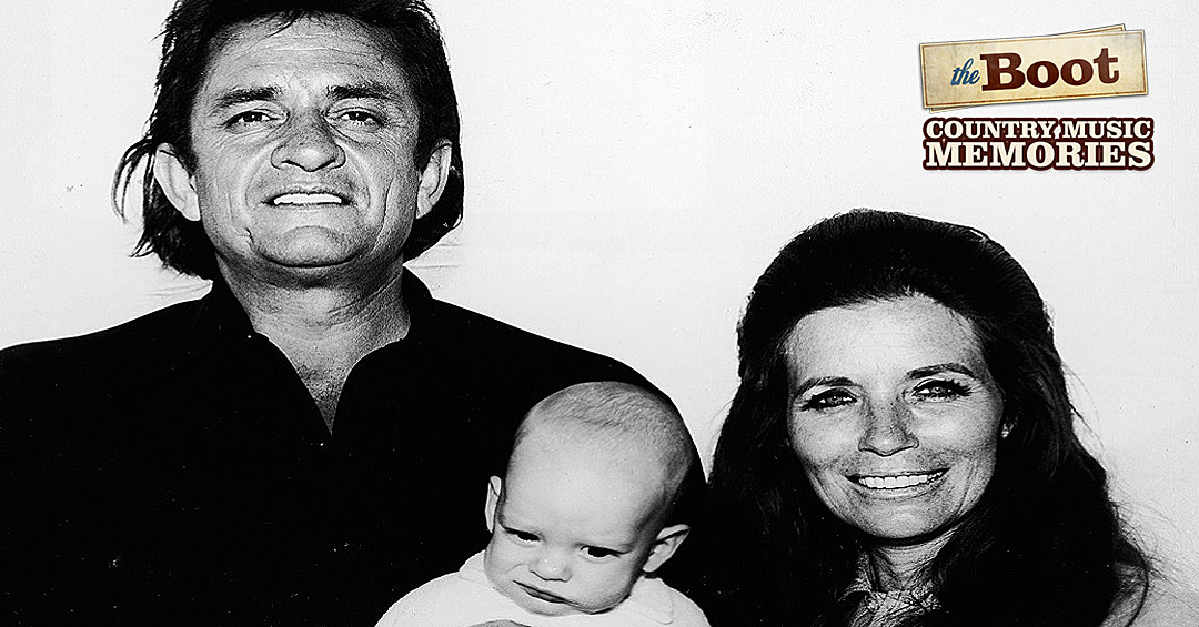 """Johnny Cash's First Performance of """"Man in Black"""" at Ryman Auditorium in 1971"""