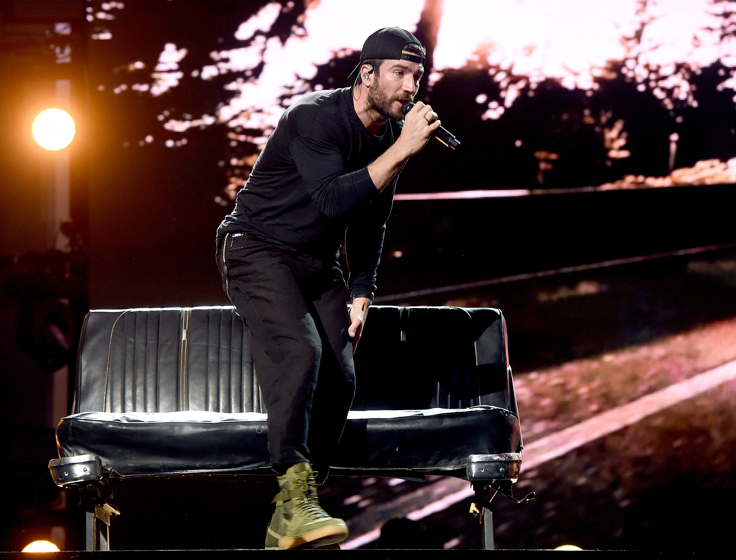 Sam Hunt Adorably Serenades Fiancee Hannah Lee Fowler During ACM Awards Performance