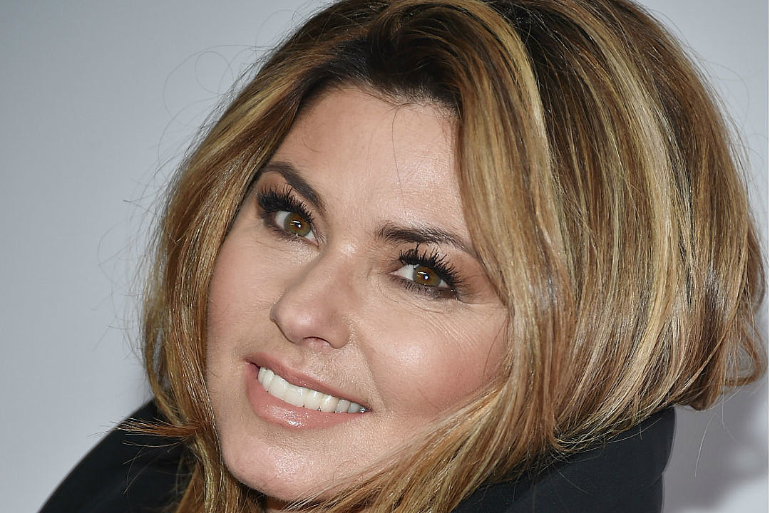 Shania Twain 'peed herself' during first stage gig